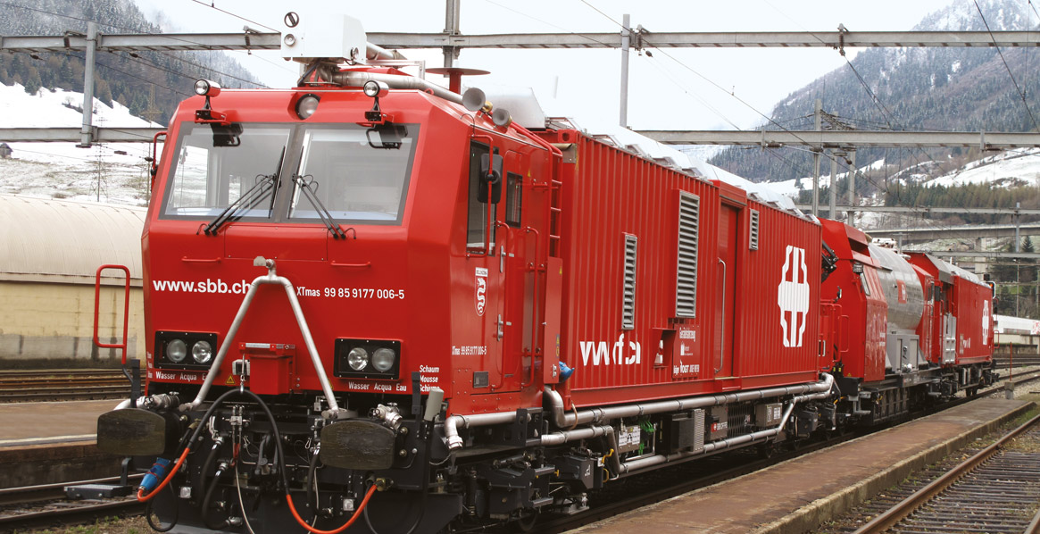 Windhoff's firefighting and rescue train with DIORAIL PC2 Control - Lütze Transportation GmbH